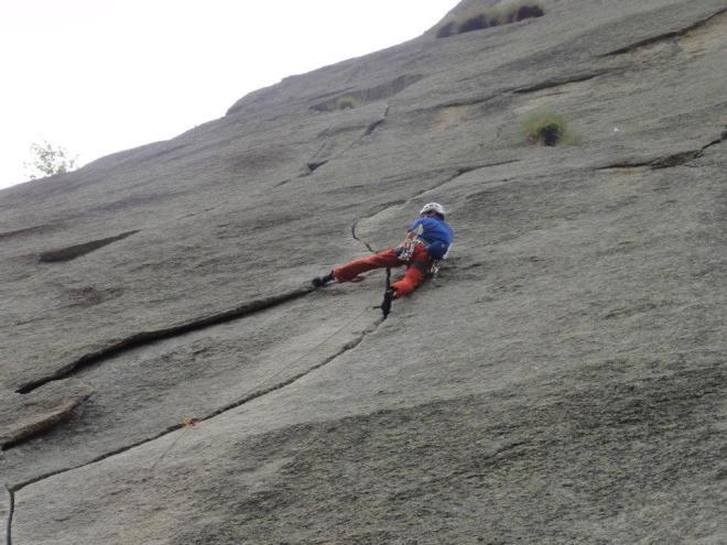 crack climbing lessons